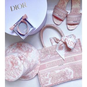 封面樱花粉款€590上新:Dior 全新Oblique春夏系列 2020人气超高Logo印花凉鞋