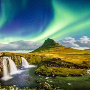 $499Air & 4-Nt. Iceland Trip with Northern Lights Tour