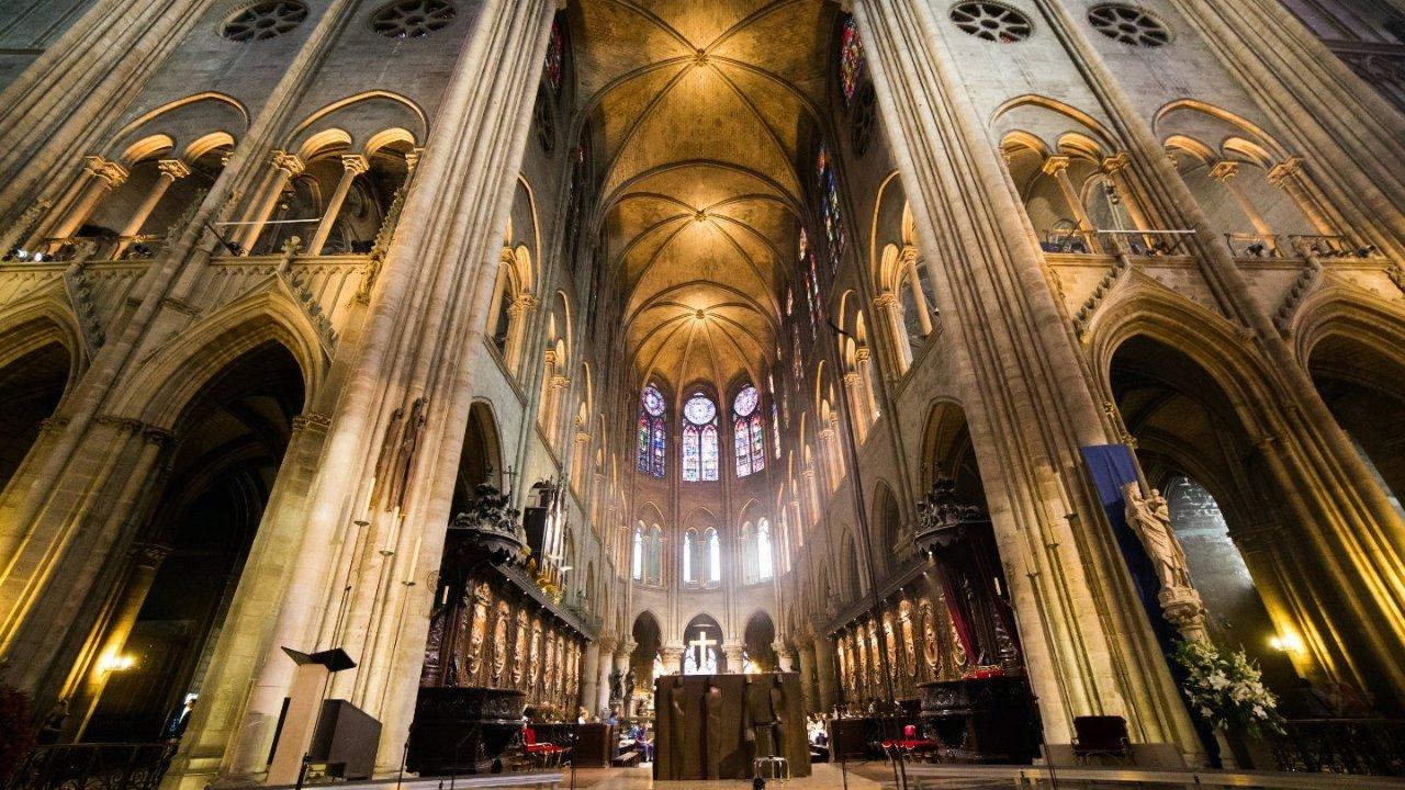 巴黎圣母院360°沉浸式游览,坐在家里也可以欣赏到完整的圣母院!