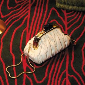 3折起+额外7.5折 £150收链条包折扣升级:Miu Miu 全场闪现好价 可甜可盐仙女牌 春夏新配色褶皱包、水晶鞋