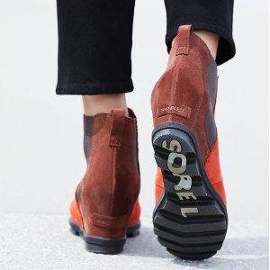 5折 收迪士尼合作款SOREL 隐形增高靴 $85收坡跟及踝靴 $100收经典格纹坡跟靴