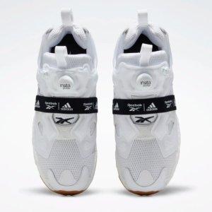 定价£159.95 两大对手的联手上新:Reebok X Adidas 联名打造新款Fury Boost 黑白新势力来袭