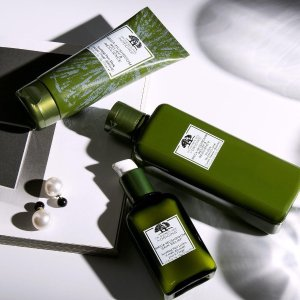 Last Day: Dealmoon Exclusive Enjoy 25% offwith Mega-Mushroom products  +plus spend $65 and choose a 4-piece skincare gift + cosmetic bag. PLUS, spend $45 and get a super deluxe Clear Improvement charcoal mask @ Origins