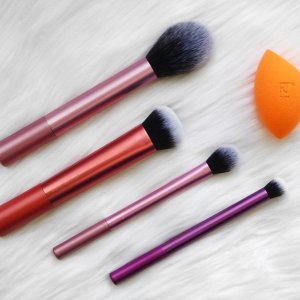 As low as $8.28Walmart Real Techniques Neon Lights Brush Set Sale