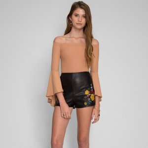 Wet SealFLORAL SHORTS IN BLACK - Look Stunning | Wet Seal