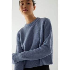 雾霾蓝毛衣