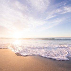 租车$25起+免费取消全美适合周末出行的9个城市周边海滩,抓住夏天的尾巴去玩水