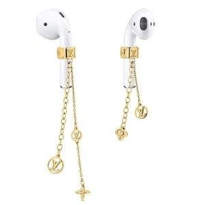 盘点各大奢侈品牌耳机周边产品Louis Vuitton Airpods 耳机链热卖 £225轻松get新潮流