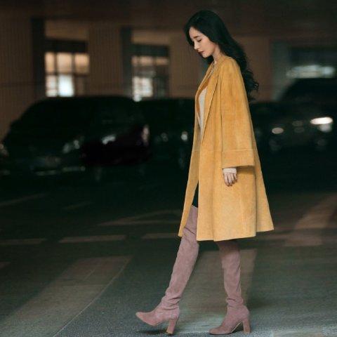 无门槛7折 €556收漆皮LowlandStuart Weitzman 爆款靴子热卖 跟大幂幂一起显腿细腿长