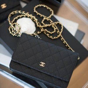 Chanel链条斜挎包