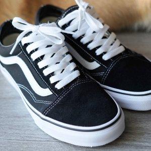 VansOld Skool经典款帆布鞋