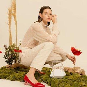 8.5折 收中国红凉鞋独家:Charles & Keith 新款包包鞋靴热卖 还有配饰等你哦