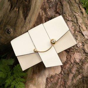 罕见打7折 现价£276(原价£395)Strathberry Mini Crescent 奶油色链条小包免邮中国