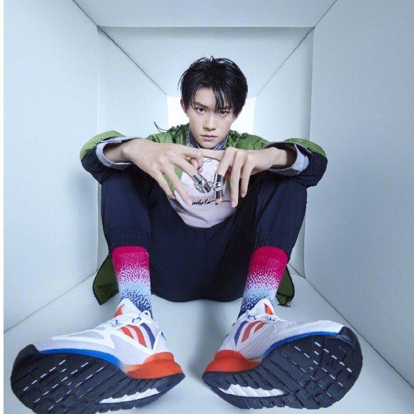 易烊千玺同款 ZX 2K Flux 男女同款运动鞋