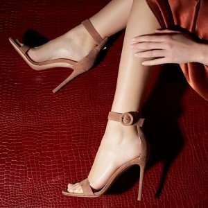 4折起 Acne尖头靴$300收最后一天:Saks 折扣区女鞋限时特卖 $440收Prada蝴蝶鞋