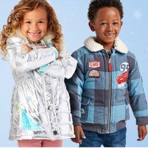 低至5折 抓绒外套仅$12 原价$26.95限今天:shopDisney 各种外套限时优惠