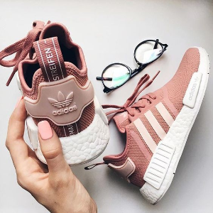 adidas 官网大促 男女运动鞋服、爆款经典款都参加