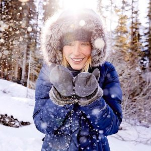 额外5折 时尚博主Adrianne Ho首选Eddie Bauer官网 特价区折上折,夹克,风衣,外套等都参加