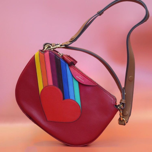 无门槛7.8折+满额低至7折+免邮包关税11.11独家:Anya Hindmarch 搞怪美包美鞋热卖 收新款彩虹系列