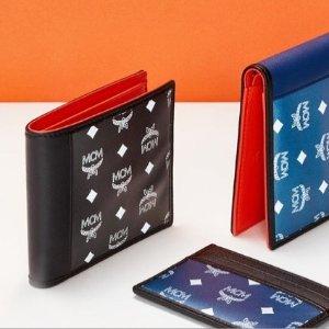 低至5折 双肩包$599MCM 精选美包、配饰热卖 卡包$99