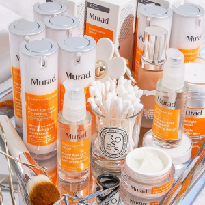 Dealmoon Exclusive! $39.95 (80% off)FREE SHIPPING with Murad Essential-C Brightening Kit @ Murad