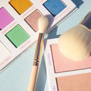 无门槛8折 €16收35色眼影盘!BH Cosmetics官网 精选美妆热卖 收星座星球、巴厘岛6色眼影盘