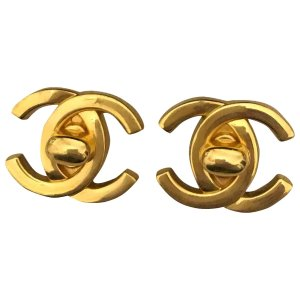 Chanel耳夹