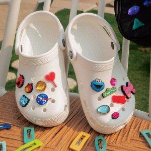$4.99起 5件套$19.99Crocs 那些洞洞鞋的配饰小可爱 你的洞洞鞋和别人不一样