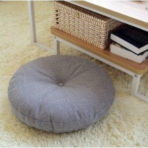 灰色圆形坐垫