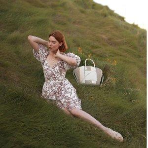低至5折 小香风针织衫$122Ted Baker 英伦浪漫美衣热卖 超气质条纹连衣裙$156