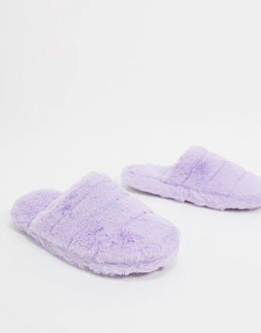 紫色毛绒拖鞋