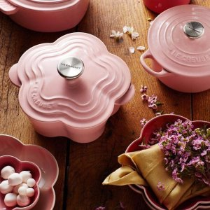Holiday Free GiftWith Purchase From $250 @ Le Creuset