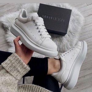 麦昆小白鞋只要200多欧!