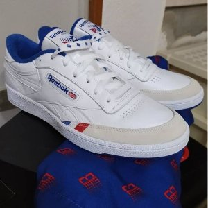 Reebok仅剩35/37.5/41/42码Club C Revenge运动鞋