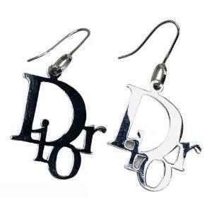 Dior耳钉