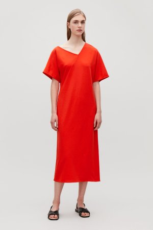 V-NECK DRESS WITH TWISTED SEAM - Vibrant red - Dresses - COS