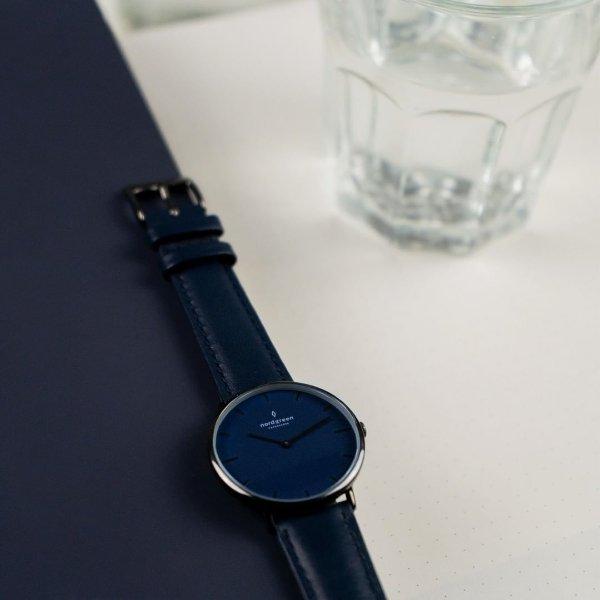 Native 蓝色表盘手表