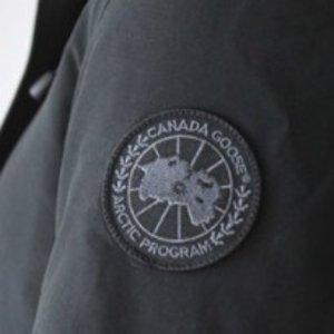 8.9折+免税 不撞衫的黑标Canada Goose 男装,女装,童装等 超保暖羽绒服