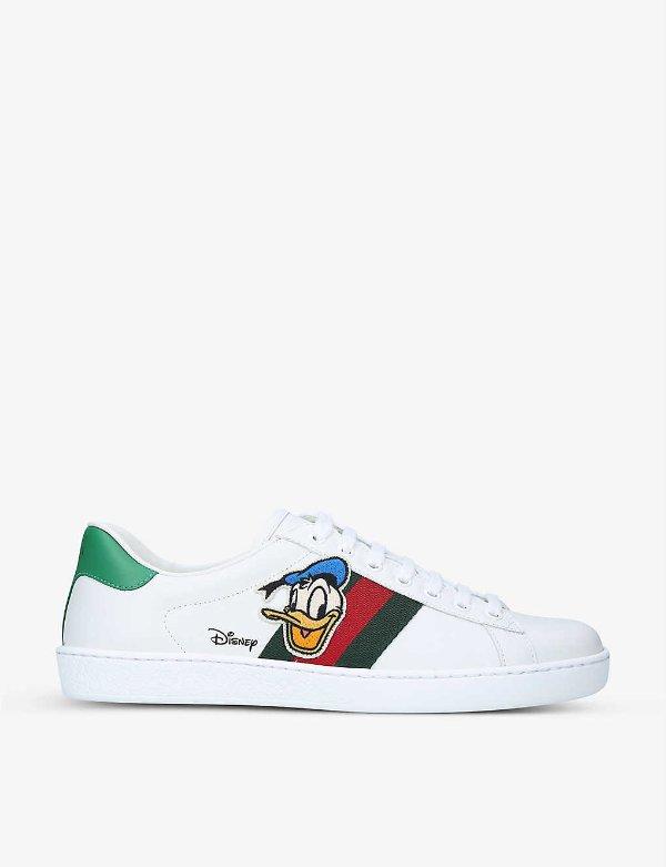 唐老鸭小白鞋
