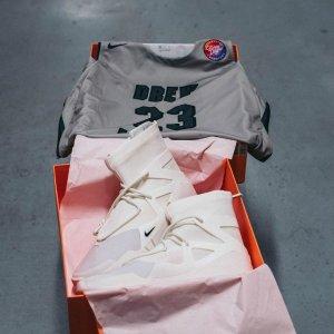 6月8号 英国时间8am £299.95新品预告:Nike Fear of God 1 Sail 即将发售