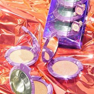 限时4倍积分+部分买3送1上新:Becca 圣诞联名套装 高光拌饭女孩必收
