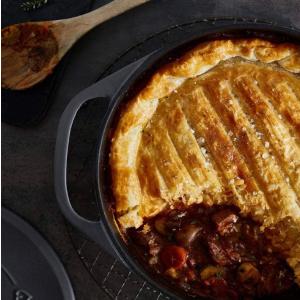 24cm 4L 折后€79.9免邮Clara欧式简约性价比超高的铸铁炖锅 炖煮 烤面包 各种都可以
