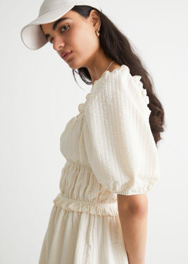 泡泡袖褶皱连衣裙