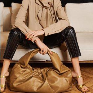9折 £418收可爱小云朵包Bottega Veneta 全场新品闪促 收爆款云朵包、秋冬必备爆款靴子
