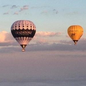 $249 (原价$440)浪漫的俯瞰整个城市美景墨尔本 Liberty Balloon Flights热气球飞行体验