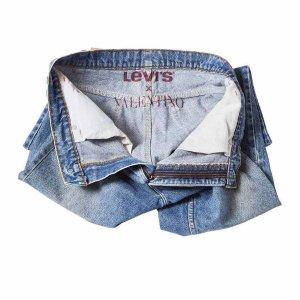 即日发售 一睹为快Levis李维斯 X Valentino华伦天奴 创意联名 玩转百搭牛仔