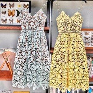 低至4折+额外9折 £135收封面款Self Portrait 仙女连衣裙折上折 人手必备一件的优雅小礼服