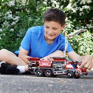 Lego Technic Airport Rescue Vehicle 42068 Building Kit 1094 Piece