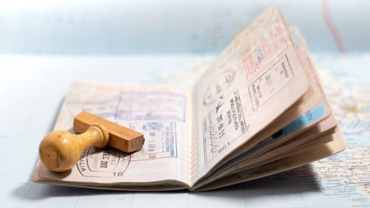 """担保及申请人须双双通过英语测试?澳洲或修改配偶签证申请规则,被批""""阻止家人团聚"""""""