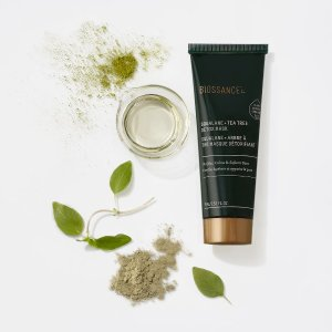 BIOSSANCESqualane + Tea Tree Detox Mask